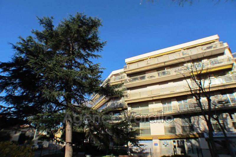 Appartement Antibes Centre,  Location appartement  4 pièces   88m²