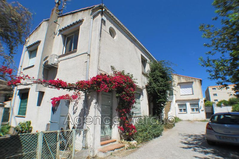 Photo Apartment Juan-les-Pins Proche centre,  Rentals apartment  1 room   21m²