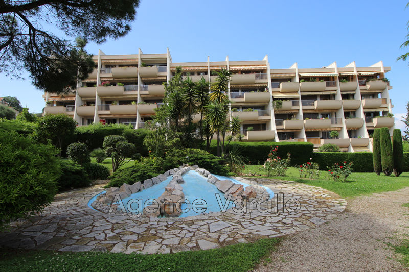 Photo Appartement Antibes Piscine,  Location appartement  4 pièces   86 m²
