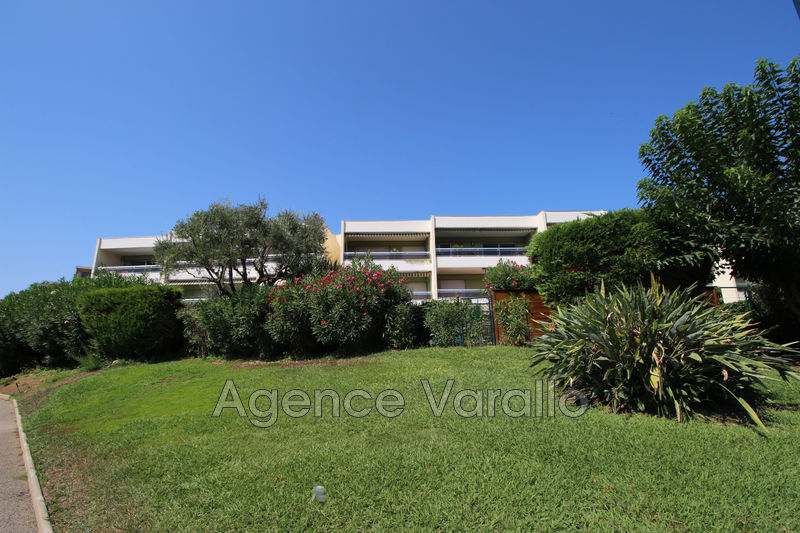 Photo Appartement Antibes Fontmerle- peyregoue,  Location appartement  3 pièces   68 m²