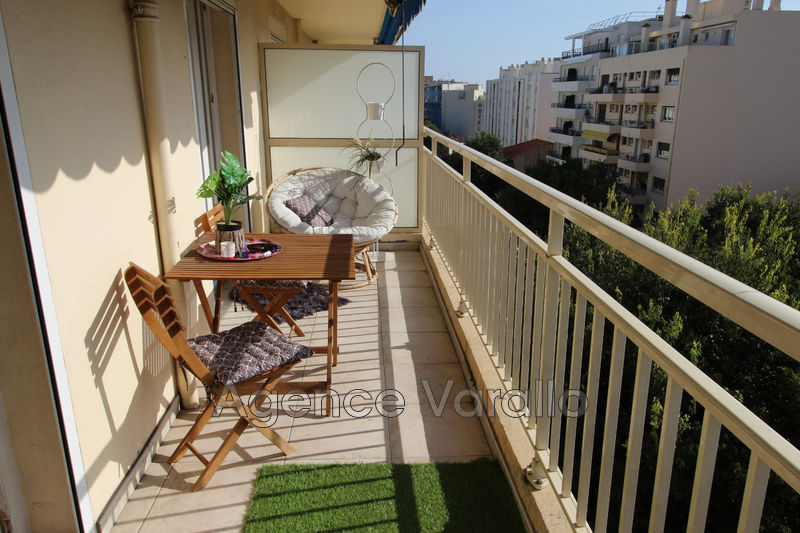 Photo Appartement Antibes Antibes centre,  Location appartement  3 pièces   66 m²