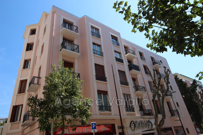 Apartment Juan-les-Pins Juan centre,  Rentals apartment  2 rooms   47 m²