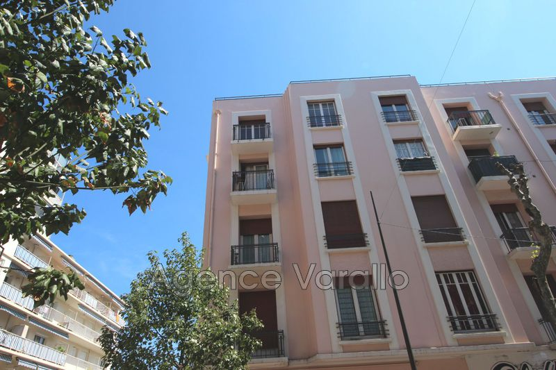 Photo Appartement Juan-les-Pins Juan centre,  Location appartement  2 pièces   47m²