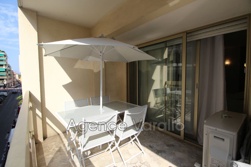 Photo Appartement Antibes Antibes centre,  Location appartement  3 pièces   80m²