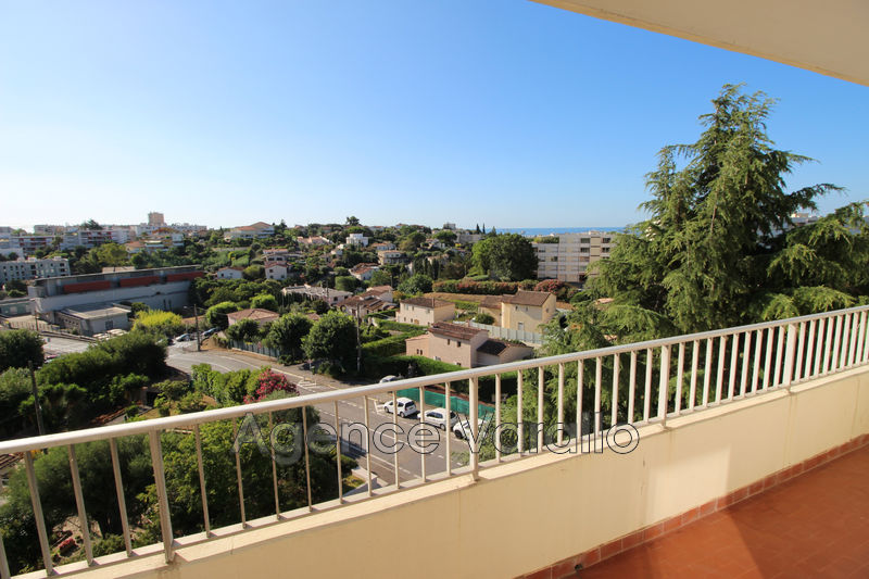 Photo Apartment Antibes  Hire apartment  4 room   72 m²