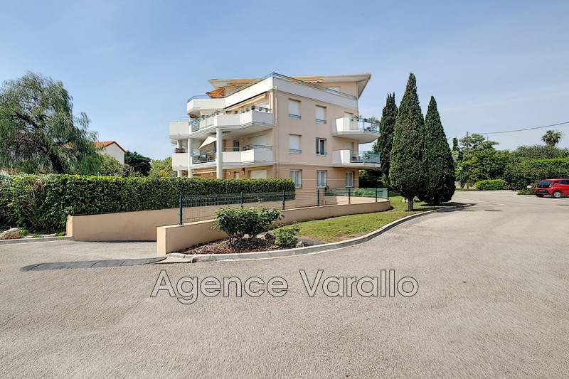 Appartement Antibes Jules grec,  Location appartement  3 pièces   74 m²