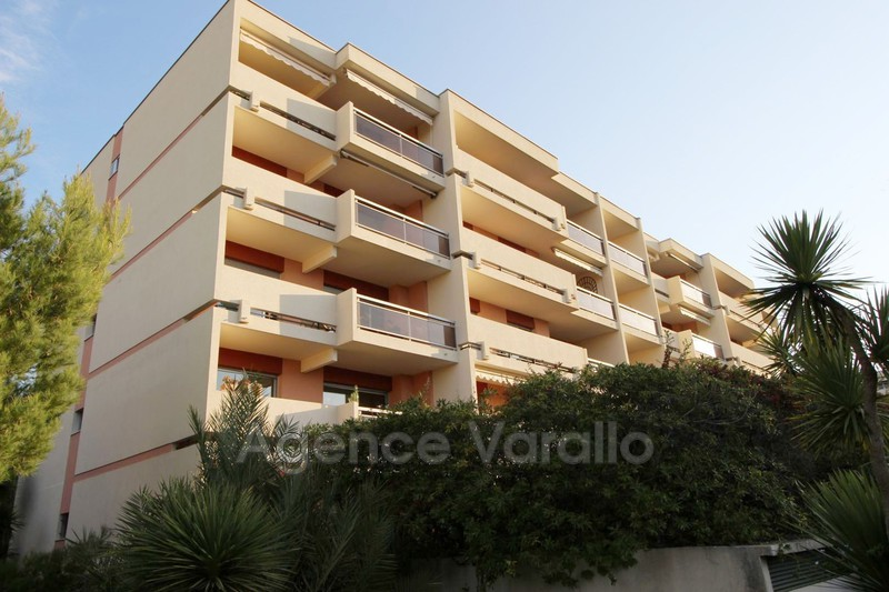 Apartment Antibes Combes,  Rentals apartment  2 rooms   50 m²