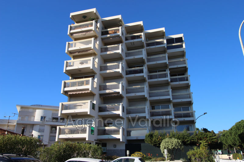 Photo Apartment Juan-les-Pins Juan centre,   to buy apartment  3 rooms   60 m²