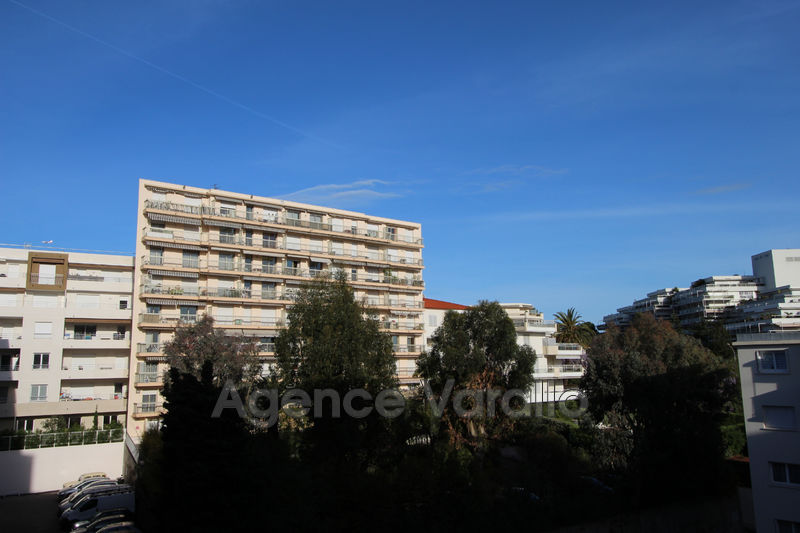 Photo Apartment Juan-les-Pins Juan centre,   to buy apartment  3 rooms   61 m²
