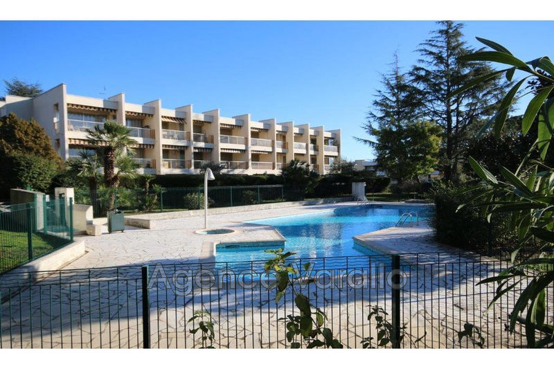 Photo Appartement Antibes Breguieres,   achat appartement  2 pièces   55 m²