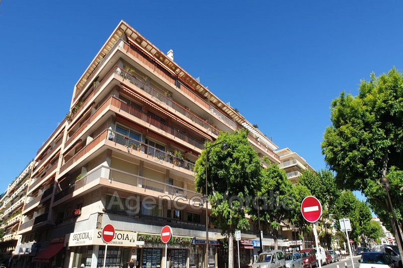 Photo Apartment Antibes Antibes centre,   to buy apartment  4 rooms   96 m²