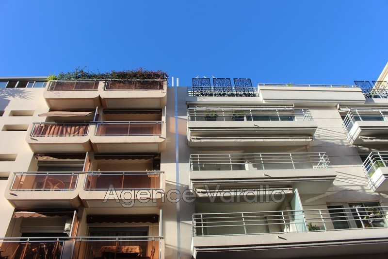Photo Apartment Antibes Antibes centre,   to buy apartment  3 rooms   68 m²