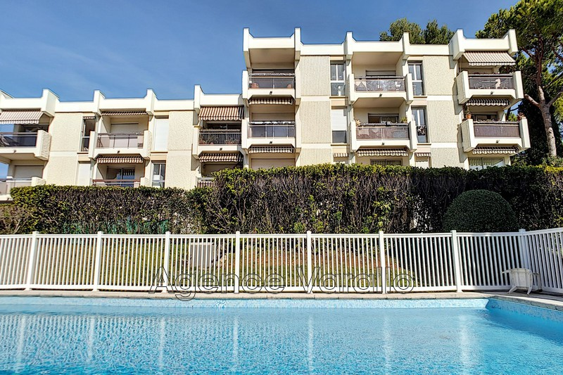 Photo Apartment Antibes Antibes les pins,   to buy apartment  3 rooms   65 m²