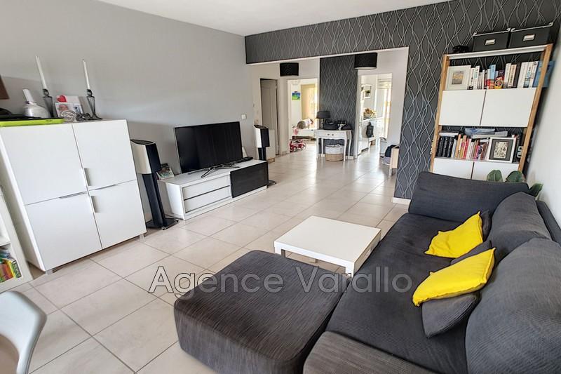 Photo Appartement Antibes Hauteurs,   achat appartement  3 pièces   64m²