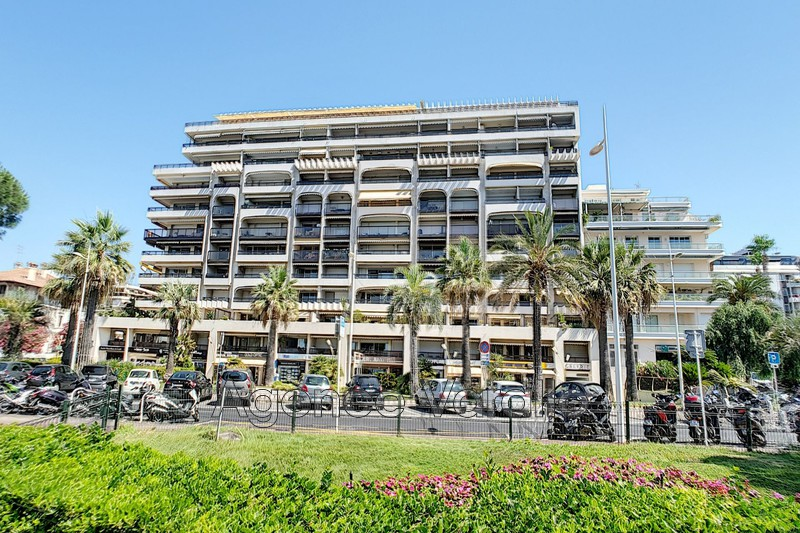 Apartment Juan-les-Pins Juan front de mer,   to buy apartment  3 rooms   83 m²