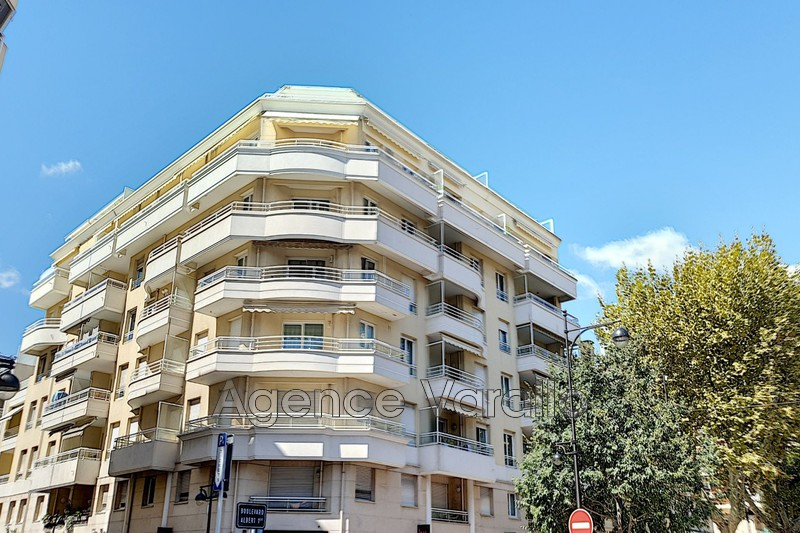 Photo Apartment Antibes Antibes centre,   to buy apartment  3 rooms   67 m²