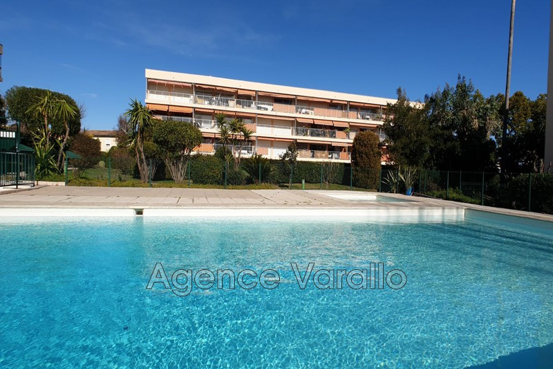 Photo Appartement ANTIBES Parouquine,   achat appartement  2 pièces   48 m²