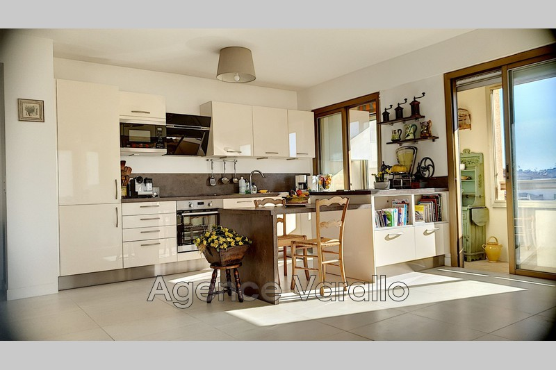 Photo Apartment Antibes Vieil antibes,   to buy apartment  3 rooms   81 m²