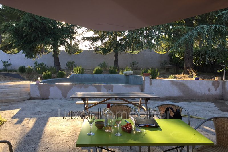 Villa La Motte-d'Aigues   achat villa  4 chambres   100m²