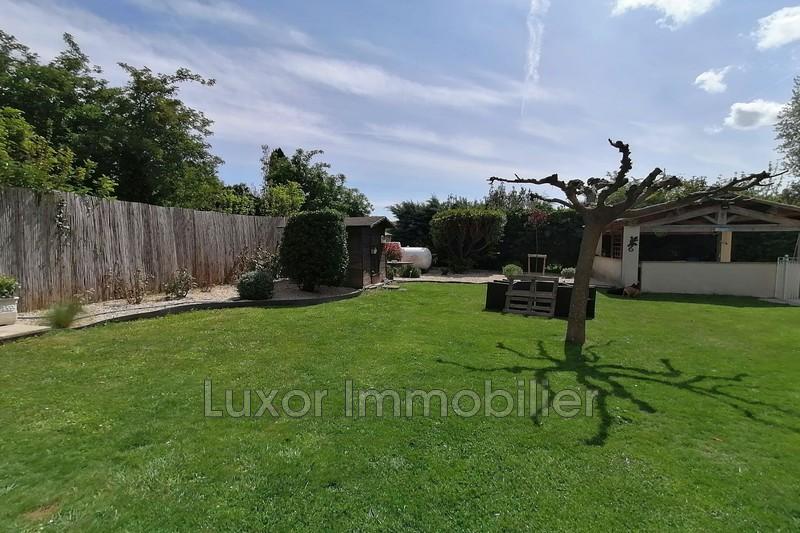 Villa La Tour-d'Aigues   achat villa  3 chambres   100m²