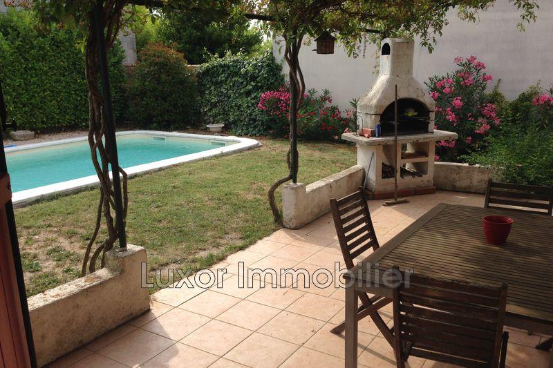 Villa Cucuron   achat villa  3 chambres   90m²