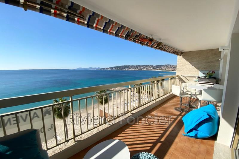 Photo Apartment Juan-les-Pins Front de mer,   to buy apartment  2 rooms   65m²