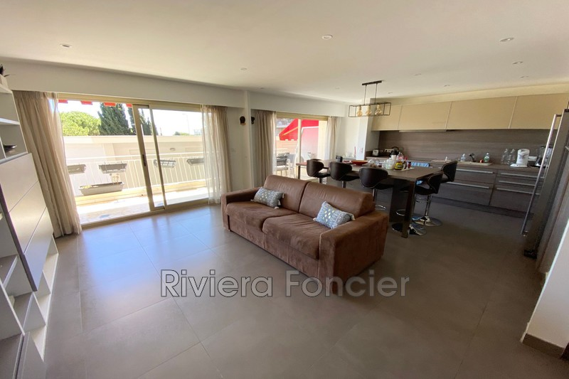 Photo Apartment Antibes Centre-ville,   to buy apartment  3 rooms   88 m²