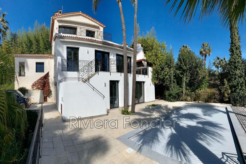 Villa Golfe-Juan   achat villa  5 chambres   230m²