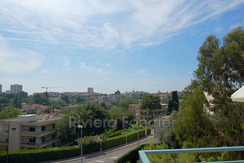 Photo Appartement Antibes Fontmerle,   achat appartement  3 pièces   70 m²
