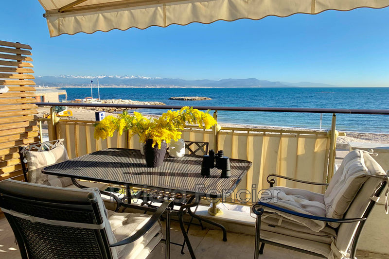 Photo Apartment Antibes Front de mer,   to buy apartment  3 rooms   56m²