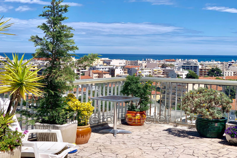 Apartment Antibes Centre-ville,   to buy apartment  4 rooms   130m²