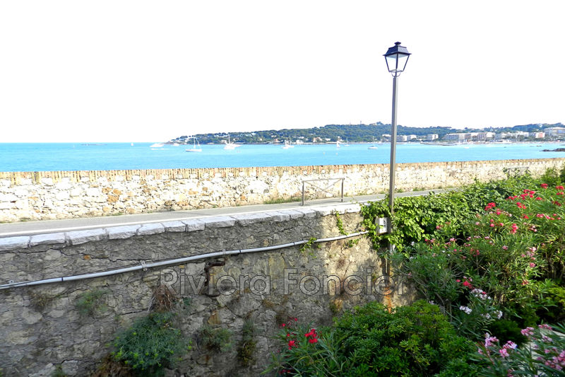 Photo Apartment Antibes Vieil antibes,   to buy apartment  3 rooms   62 m²