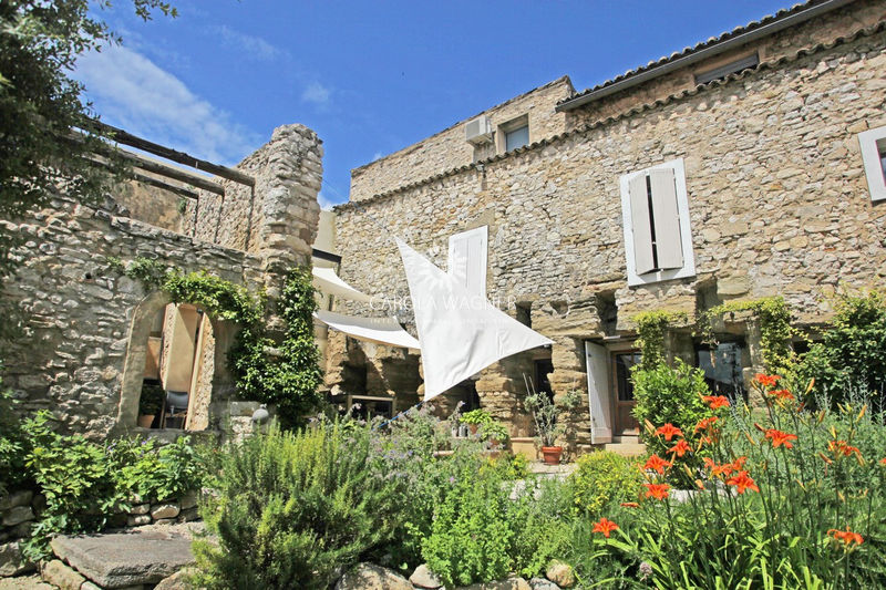 Village house L'Isle-sur-la-Sorgue Près de l'isle sur sorgue,   to buy village house  10 bedroom   420 m²