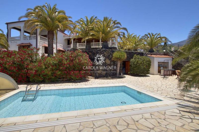 Villa El paso La palma iles canaries,   to buy villa  4 bedroom   170 m²