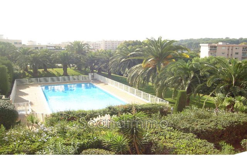 Photo Appartement Antibes Combes,   achat appartement  2 pièces   51 m²