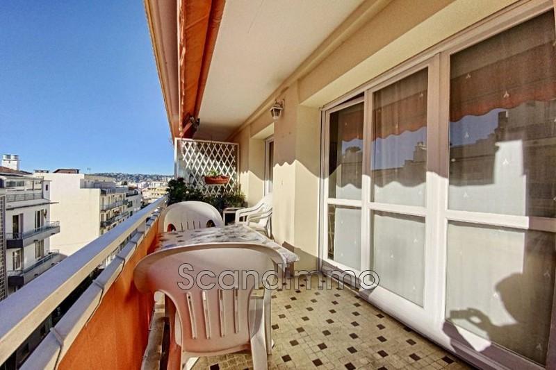 Photo Apartment Juan-les-Pins Centre-ville,   to buy apartment  3 bedroom   65m²