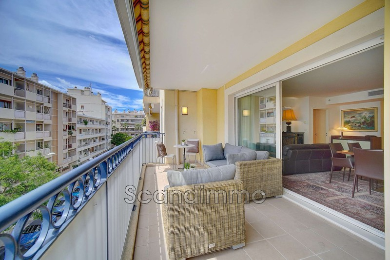 Photo Appartement Hyères Centre-ville,   achat appartement  3 pièces   87m²