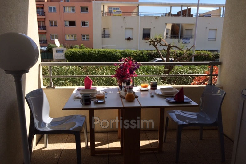 Photo Appartement Saint-Laurent-du-Var Vespins,  Location appartement  2 pièces   29 m²