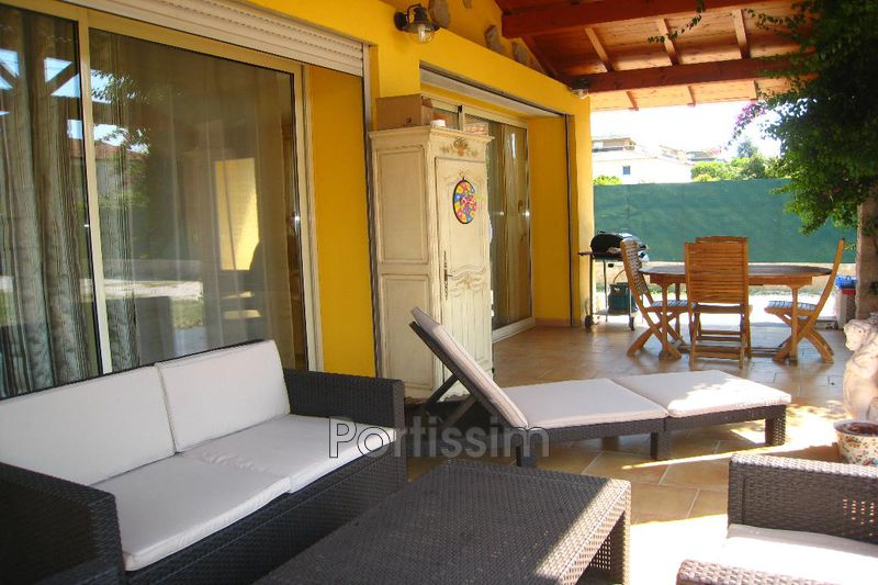 Photo Villa Saint-Laurent-du-Var Vespins,   achat villa  3 chambres   140 m²