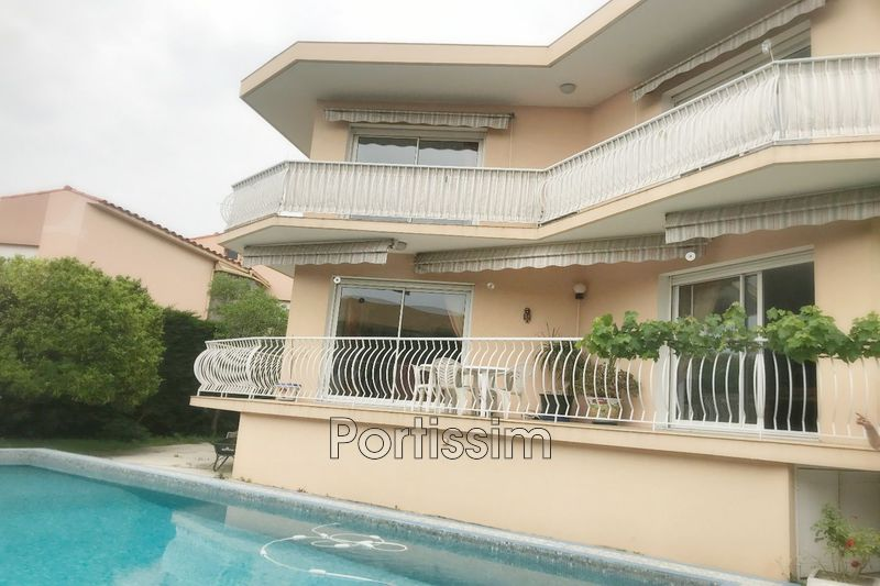 Photo Townhouse Saint-Laurent-du-Var Centre-ville,   to buy townhouse  5 bedroom   300 m²