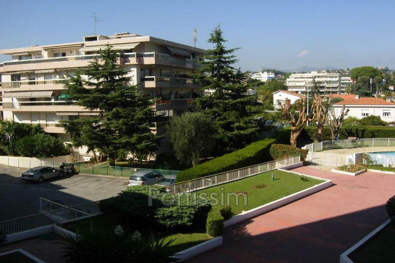 Photo n°2 - Vente appartement Saint-Laurent-du-Var 06700 - 270 000 €