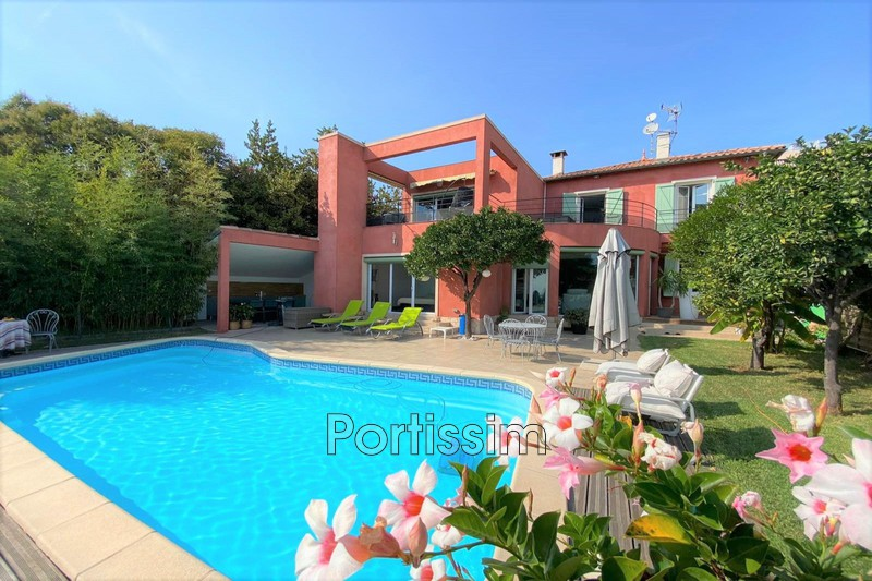 Photo House Saint-Laurent-du-Var Tzanck,   to buy house  7 bedroom   210 m²