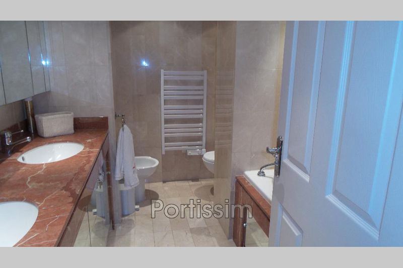 Photo n°8 - Vente appartement Saint-Laurent-du-Var 06700 - 995 000 €