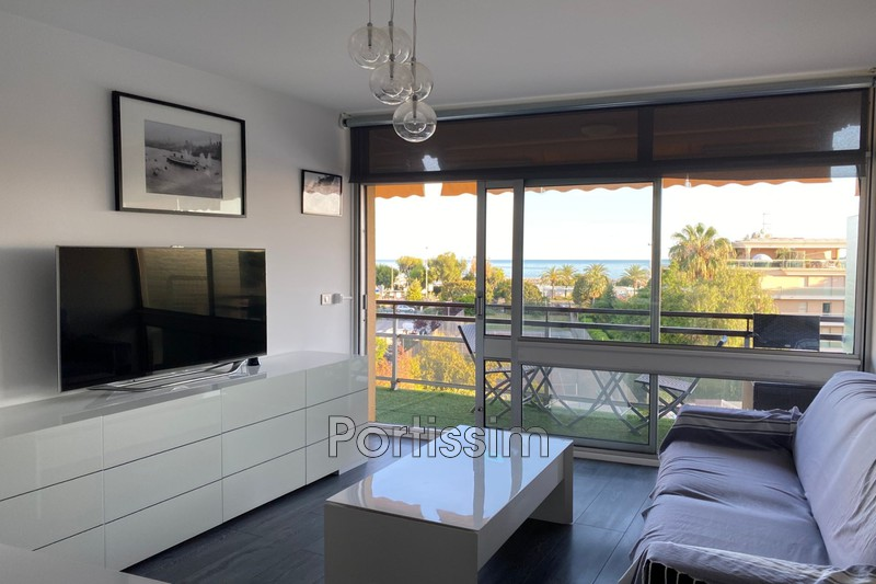 Photo Appartement Saint-Laurent-du-Var Vespins,   achat appartement  2 pièces   49 m²