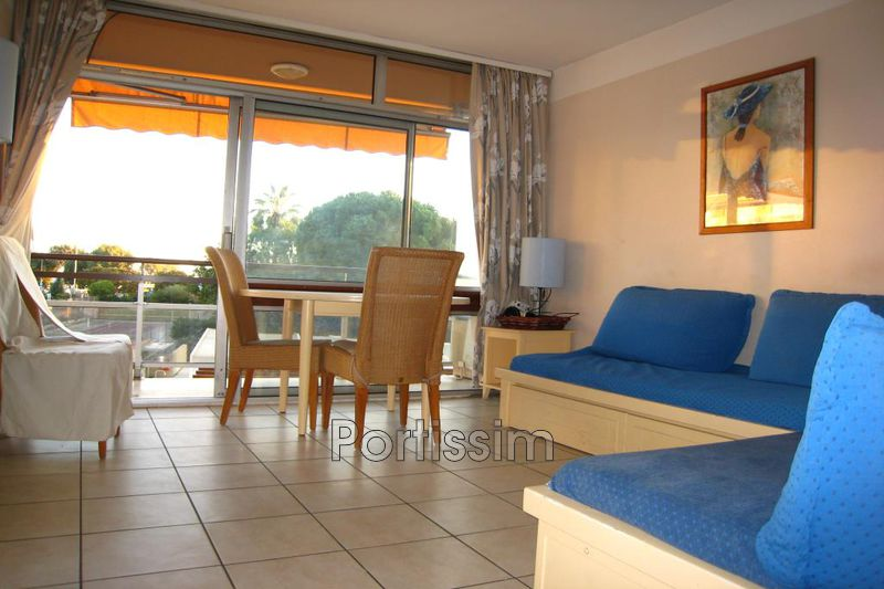 Photo Appartement Saint-Laurent-du-Var Vespins,   achat appartement  2 pièces   47 m²