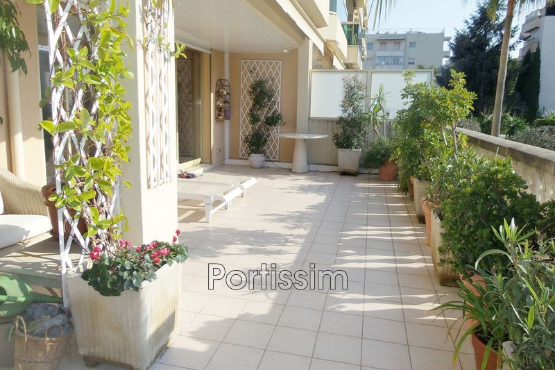 Photo Apartment Saint-Laurent-du-Var Vespins,   to buy apartment  2 rooms   64 m²