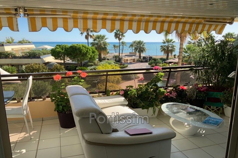 Photo Apartment Saint-Laurent-du-Var   to buy apartment  3 rooms   103 m²
