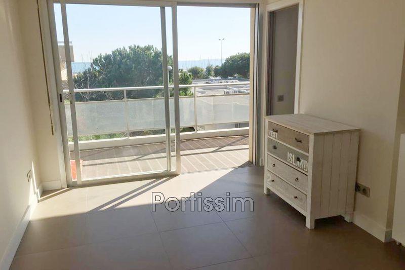 Photo Appartement Saint-Laurent-du-Var Vespins,   achat appartement  2 pièces   27 m²
