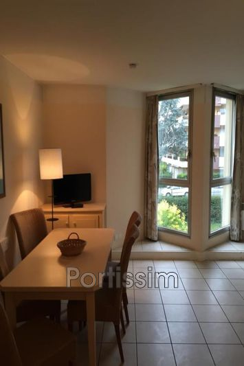 Photo Appartement Saint-Laurent-du-Var Vespins,   achat appartement  2 pièces   41 m²