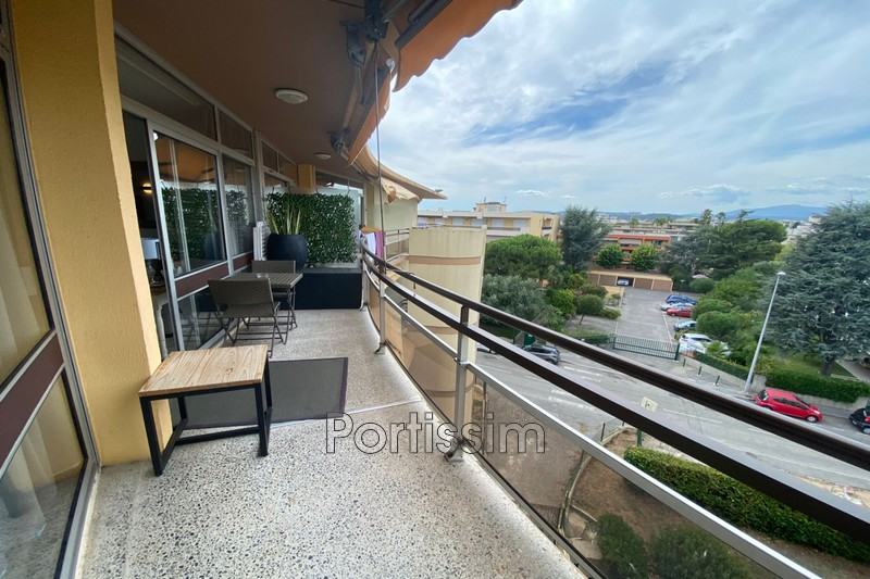 Photo Last floor Saint-Laurent-du-Var Vespins,   to buy last floor  2 rooms   49 m²